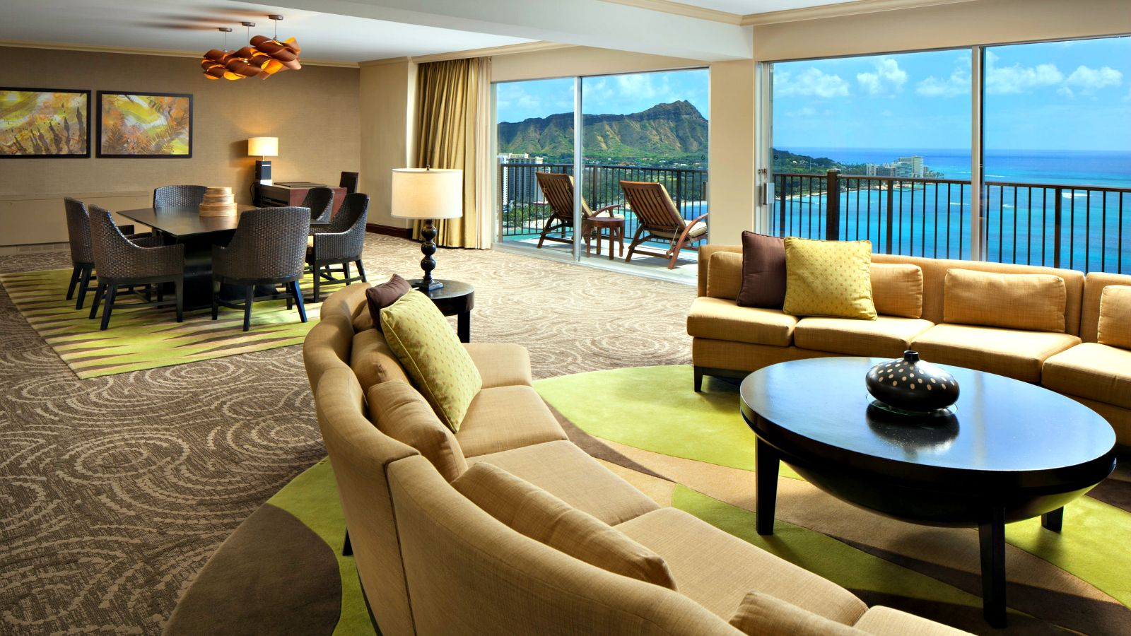 Oahu Hotel Rooms - Presidential Suite Living Room